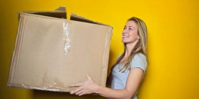 Cardboard Boxes vs Totes - Which is Better for Your Move?