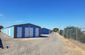 Storage Units Madera/2842 North Golden State Boulevard