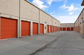 Storage Units Cypress/5081 Lincoln Ave