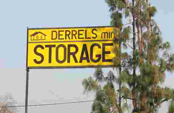Sign at entrance of Derrels at 100 E Sierra Ave, Fresno, CA