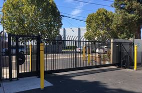 Storage Units San Jose/2220 Canoas Garden Avenue