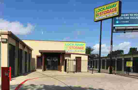 Lockaway Self Storage Goliad Exterior Front Office