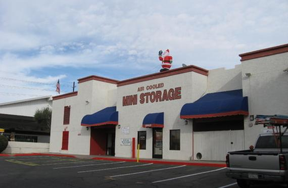 Storage Units Phoenix/2845 N 52nd St