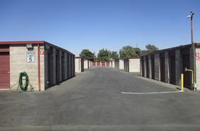 Bakersfield, CA Self Storage Units | North Chester Mini Storage | Storage  Direct