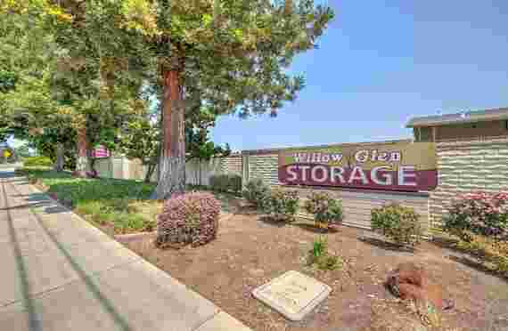 Image Of Outside Front Sign Banner of Willow Glen Storage in San Jose, CA