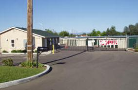 Storage Units Redding/839 Twin View Blvd & A Ju0027s Mini Storage - 839 Twin View Blvd Redding CA | StorageFront.com