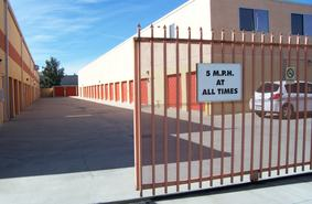 Storage Units Fontana/8004 Palmetto Ave
