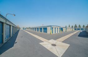 Storage Units Manteca/1139 Vanderbilt Cir