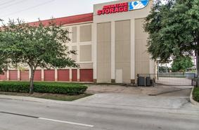 Storage Units Houston/2505 Southwest Fwy