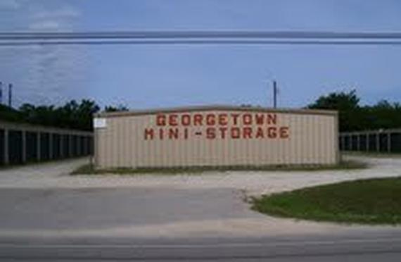 Storage Units Georgetown/2220 North Austin Avenue