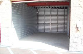 Storage Units Simi Valley/2073 Royal Ave