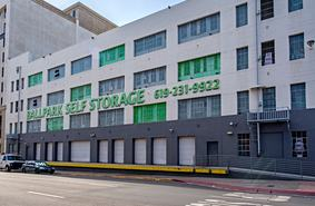 Storage Units San Diego/611 Island Ave