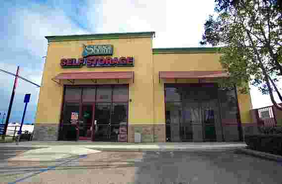 Storage Outlet | 900 S Raymond Ave, Fullerton, CA 92831 | Storage Company