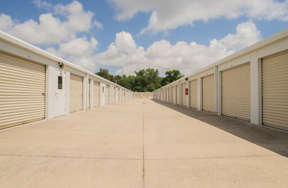 Storage Units Virginia Beach/2408 Potters Rd