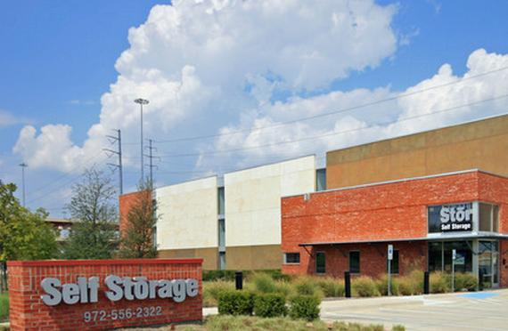 Storage Units Irving/7390 Riverside Drive