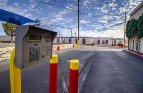 Storage Units El Paso/2900 N Lee Trevino Dr