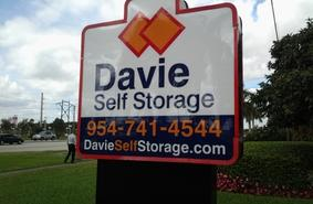 Storage Units Davie/5370 South University Drive