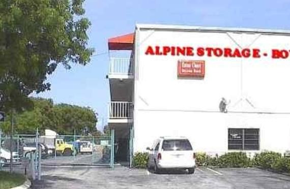 Attirant Storage Units Boynton Beach/860 W. Industrial Ave.