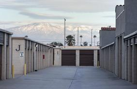 Storage Units Fontana/16990 Ceres Ave