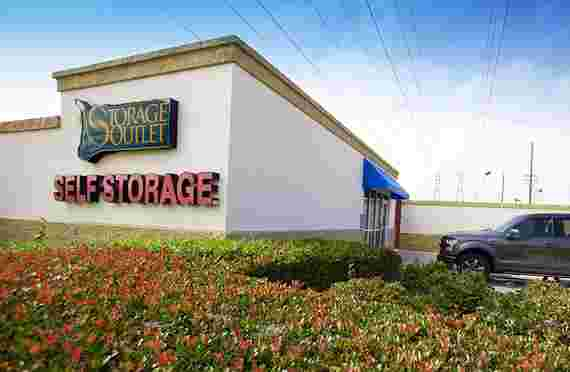 Storage Outlet | 8620 Hamilton Ave, Huntington Beach, CA 92646 | Best Storage Company