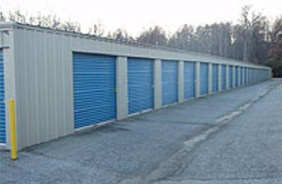 Storage Units High Point/3128 East Kivett Drive