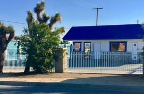 Superbe Storage Units Yucca Valley/6625 Prescott Avenue