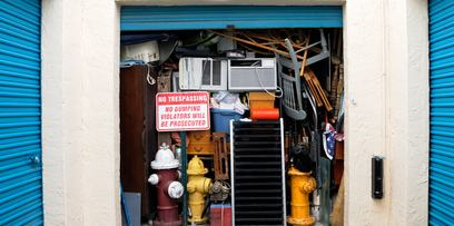 Start your self-storage de-cluttering early | Iron Guard