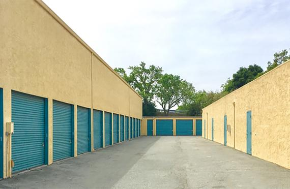 Storage Units Redwood City/920 Shasta St