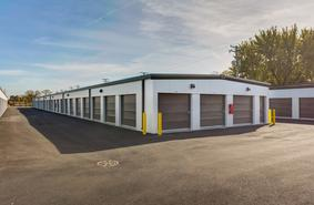 Storage Units Crystal Lake/647 Teckler Blvd