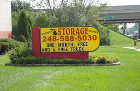 Storage Units Madison Heights/1020 W 13 Mile Rd