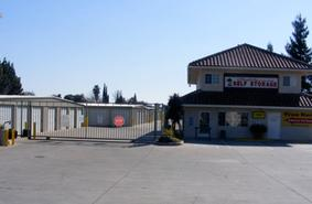Storage Units Manteca/1338 W Yosemite Ave