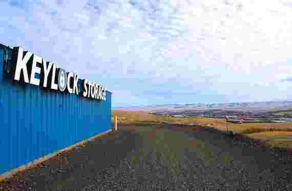 Sign on building at Keylock Storage at 1220 Airport Rd, Pendleton, OR
