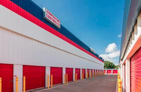 Storage Units Grand Prairie/425 E Pioneer Pkwy