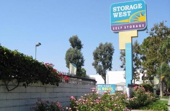 Storage Units Santa Ana/2730 S Fairview St