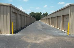 Storage Units Lake Charles/2215 Common Street