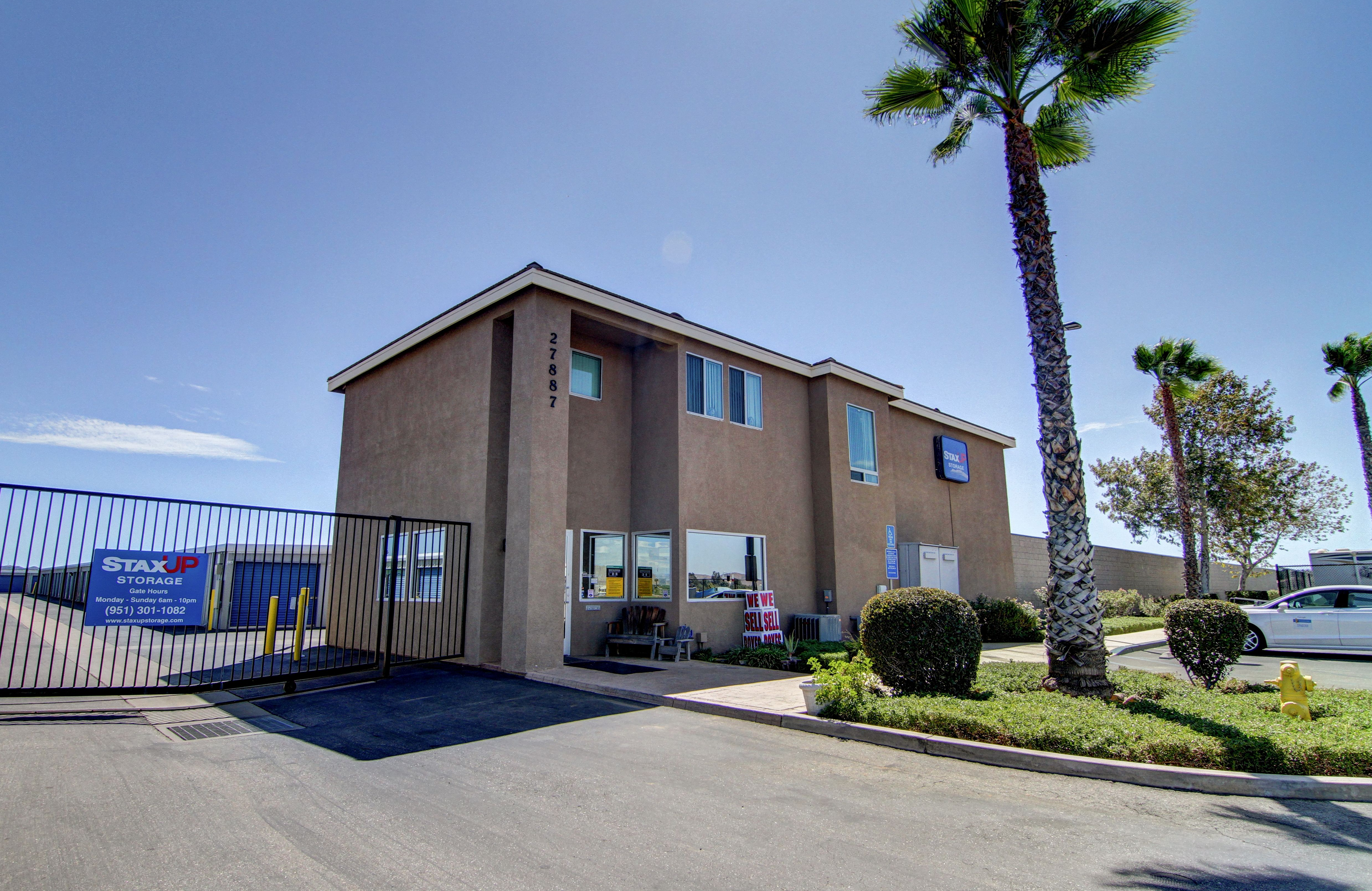 storage units in menifee ca 27887 holland rd staxup self storage rh staxupstorage com